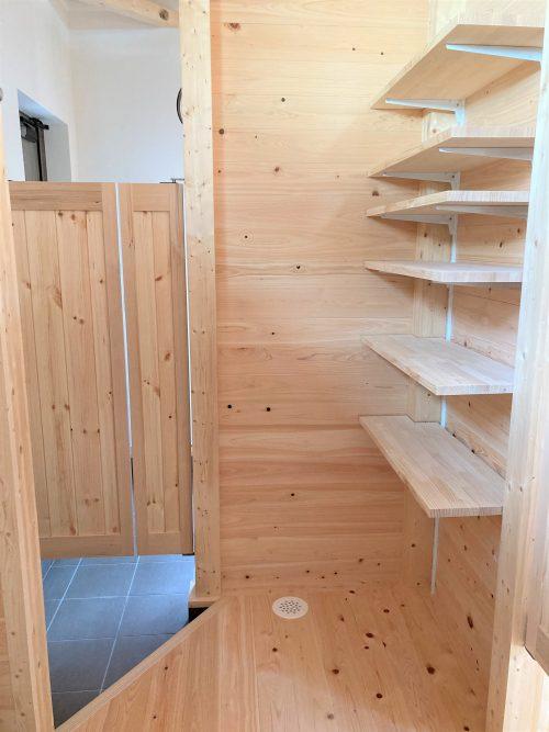 玄関収納 シューズクローゼット ウォークインクローゼット 造作 木の家 大工産 加古川 無垢 平屋 シンプルな暮らし